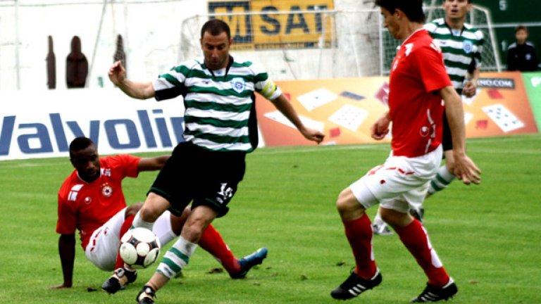Александър Александров не е играл от септември 2009 г.