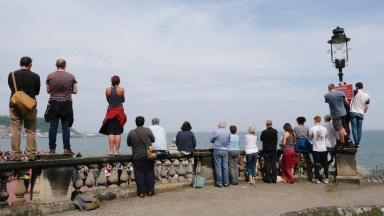 Скарбъроу е град в Североизточна Англия, графство Северен Йоркшър. Разположен е на брега на Северно море и е известен морски курорт.
