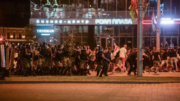 Брутално насилие смачка протеста в Беларус