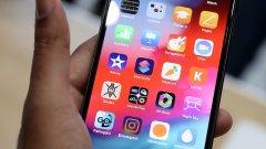Според активисти новият iPhone XS Max е твърде голям