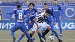 Новите попълнения Мартин Райнов и Валери Божинов започнаха като титуляри за Левски.