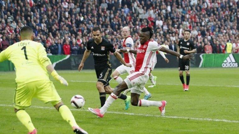Траоре вкара два гола за успеха на Аякс