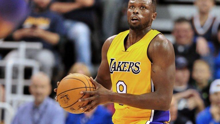 9.Луол Денг (Ел Ей Лейкърс)  Също девети с 50 млн. паунда е баскетболистът на Лос Анджелис Лейкърс Луол Денг. Той е забогатял със 7 млн. за последната година.