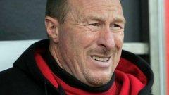 Бившият треньор на Волфсбург Волфганг Волф дори външно донякъде прилича на вълк