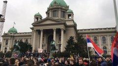 Хиляди сърби се събраха в Белград с искане за оставката на Вучич