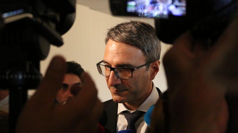 """Обезщетението е за твърденията на КПКОНПИ, че той е бил в конфликт на интереси при продажбата на """"Каолин"""""""