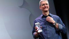 Тим Кук представя новия iPhone 6