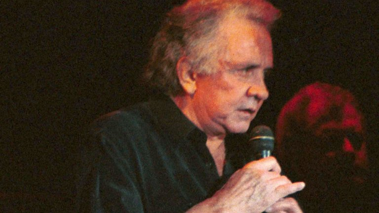 Johnny Cash - Solitary Man Песента (оригинално на Нийл Даймънд, но в доста по-добра версия на Джони Кеш) говори за това как е по-добре да си сам, отколкото с някого, на когото не можеш да разчиташ. И в една вирусна ситуация това е много добро послание към всички.