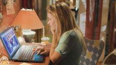 """Кадър от филма """"Кибертормоз"""", който разказва историята на момиче, станало жертва на онлайн тормоз, заради което губи повечето си приятели и семейството си"""