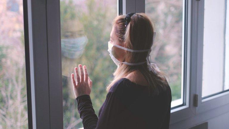 56 на сто се опасяват, че покрай заразата и мерките за ограничаването ѝ могат да загубят работата си