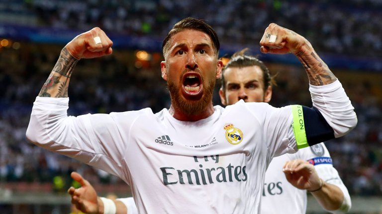 """17. Серхио Рамос  Рамос носи бялото на Реал вече 15 години, но винаги когато дойде време за подновяване на договора му, изведнъж отново се заговаря за възможността да премине в Юнайтед. Откакто защитникът подписа последния си контракт, почти не сме виждали нови слухове, свързващи го с тима от """"Олд Трафорд"""", но той изтича следващото лято. Така че, не се изненадвайте, ако скоро започнете да четете повече от същото."""