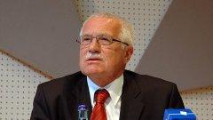 """""""Светът се движи в погрешна посока в опитите си да се пребори с икономическата криза"""", заяви чешкият президент Вацлав Клаус на асамблеята на ООН"""