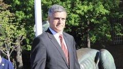 Правителство с генерал начело, което не е за завиждане (на снимката: новият служебен премиер Стефан Янев)