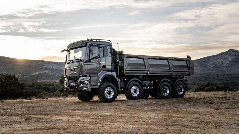 MAN TGS  MAN TGS е по-компактен и по-мощен - предлага едновременно по-голяма товароносимост и представяне на най-високо ниво. А чрез създадените по ваша мярка пакети за обслужване и сервиз от бранда успяват да осигурят ниско и прозрачно нивото на разходи за поддръжка на този впечатляващ камион.  С удобните си седалки MAN TGS осигурява комфорт на водача дори при най-неблагоприятните терени. А с иновативните си фукнции дори най-трудните задачи са улеснени. С възможността седалката на втория водач да се превърне в маса се освобождава още повече място за по-ефикасни почивки.