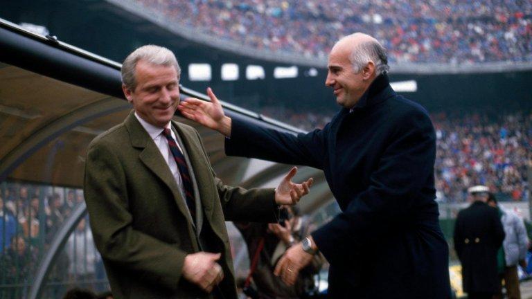 """Двама от най-великите в треньорската професия – Джовани Трапатони и Ариго Саки по време на дербито Милан срещу Интер на """"Сан Сиро"""" през 1990 г."""