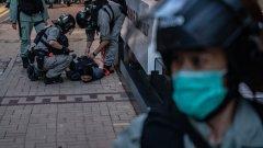 Приемането на новия закон за национална сигурност, прокаран от Пекин, предизвиква множество недоволства и протести