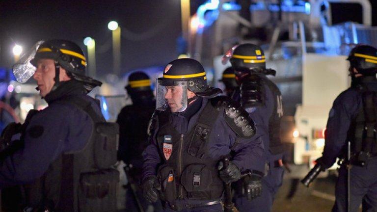 """След серията терористични атаки във Франция, Белгия и Турция, и у нас хората се чувстват несигурни по оношение на евентуални взривове. Най-често фалшивите сигнали се подават в района на столичния център по протежението на улица """"Пиротска"""", както и около """"Опълченска"""" и Централни Хали"""