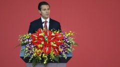 """Един хакер знае най-добре """"Как се хакват избори"""". Андрес Сепулведа е човекът, който разкри как е използвал различни компютърни техники, които да повлияят при изборите в полза на различни политици. Най-големият скандал е с изборите на мексиканския президент Енрике Пеня Нието (на снимката), който печели през 2012-та година."""
