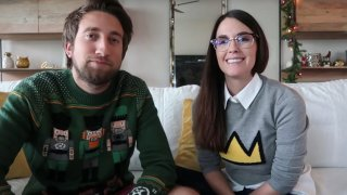 Влогърите Гавин Фрий и Меган Търни получават неприятна изненада - въоръжен техен фен прониква в дома им посред нощ.