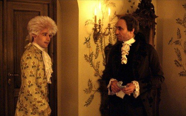 """""""Амадеус""""  Екстравагантната адаптация по пиесата на Питър Шафър остава най-величественият филм за Моцарт и предлага изключително интересен ъгъл към музикалния гений на легендарния композитор.   Под режисурата на майстора Милош Форман текстът на Шафър прилича на откровение.   Завистта е драматичният ключ към произведението. Централен персонаж е придворният композитор Салиери, който не може да понесе факта, че разглезеният хлапак Моцарт е безкрайно по-талантлив от него.   Ф. Мъри Ейбрахам е великолепен в образа на мрачния, дълбоко религиозен комплексар Салиери, а Том Хълц прави ролята на живота си като капризния разсеян вундеркинд Моцарт.   Филмът е красива, натуралистична, пищна, богата медитация върху теми като творчество, гениалност, завист."""