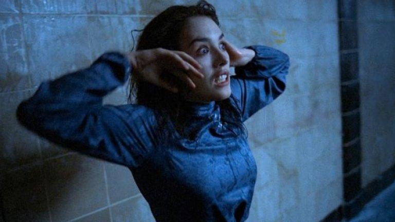 """""""Обладаване"""" """"Обладаване"""" на Анджей Жулавски е френско-западногермански хорър от далечната 1981 г. Изабел Аджани играе млада жена в Берлин от времето на Студената война, която изоставя съпруга и любовника си заради чудовище с телепатични сили. В началото филмът прилича на психологически трилър, но постепенно все повече се заравя в света на Лъвкрафт, включвайки низки желания, странни създания и края на света."""