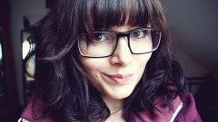 Носенето на очила ви кара да изглеждате по-малко атрактивни, но по-интелигентни.