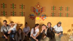 Младежи в арт инициативи
