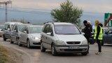 """Хиляди напускат столицата, а на АМ """"Тракия"""" изчакването е около 40 мин."""