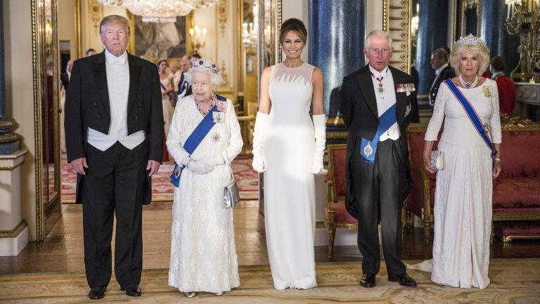 Първата дама леко засенчва британското кралско семейство