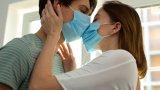 Ежедневието на болните двойки, затворени вкъщи