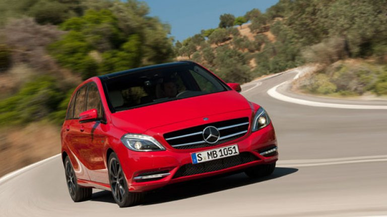 Новият B-Class на Mercedes променя компактния клас