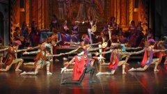 """На кой автор и от кое произведение е цитатът: """"Живеят само влюбените, останалите просто съществуват""""?  Отговорете на този въпрос в коментарите на сайта или под публикацията във Facebook, като посочите за София или за Варна предпочитате поканите за балета """"Ромео и Жулиета"""" на Московски Сити Балет"""
