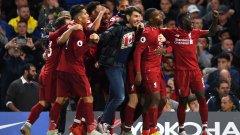 Фен нахлу от публиката, за да се израдва заедно с играчите на Ливърпул след феноменалния изравнителен гол. Самият Стъридж обаче не изрази радост, тъй като е бивш играч на Челси