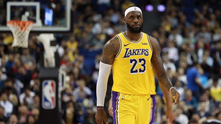 4. ЛеБрон Джеймс, баскетбол – 680 милиона долара Джеймс печели двойно повече от рекламните си договори през първите си 16 години в НБА в сравнение с 270-те милиона, получени като заплати.