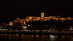 Загинали и изчезнали след като кораб с туристи се преобърна в Дунав в Будапеща