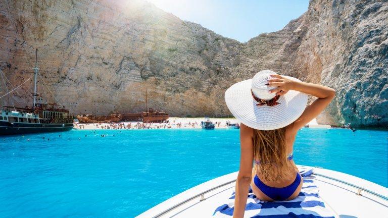 Туристическият сезон в Гърция започва на 15 юни