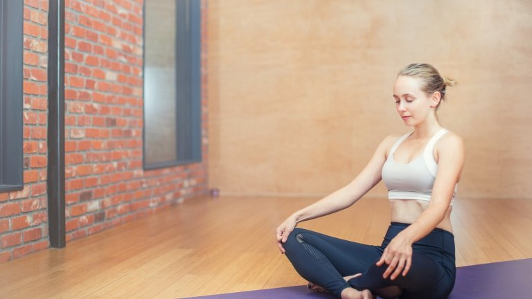 И защо забавянето на дишането ви помага да релаксирате