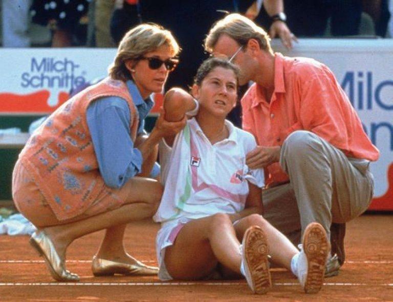 На 30 април 1993 г. се случва един от най-ужасните инциденти в света на тениса.