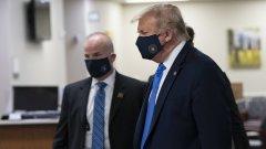"""""""Особено когато сте в болница, мисля, че се очаква да носите маска"""", каза той на излизане от Белия дом"""