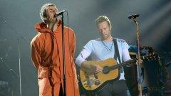 Лиъм Галахър (Oasis) и Крис Мартин (Coldplay) на благотворителния концерт в Манчестър