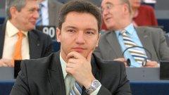 Вигенин иска наказание за посланик Чавдар Николов