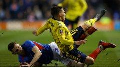 Торейра беше контузен от Джеймс Болтън още в 14-ата минута
