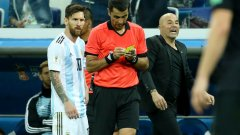 Хорхе Сампаоли и Аржентина продължават да разочароват и са на път да изхвърчат от Мондиал 2018 още в груповата фаза
