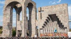 """Близо 22 000 арменци намират спасение в България. Според проучване на """"Галъп"""" обаче, 61 на сто от българите не са чували за арменски геноцид в Османската империя"""