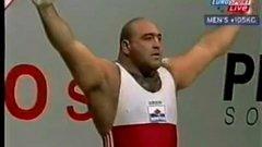 През 2002-ра Дамянов печели три сребърни медала на световното във Варшава.