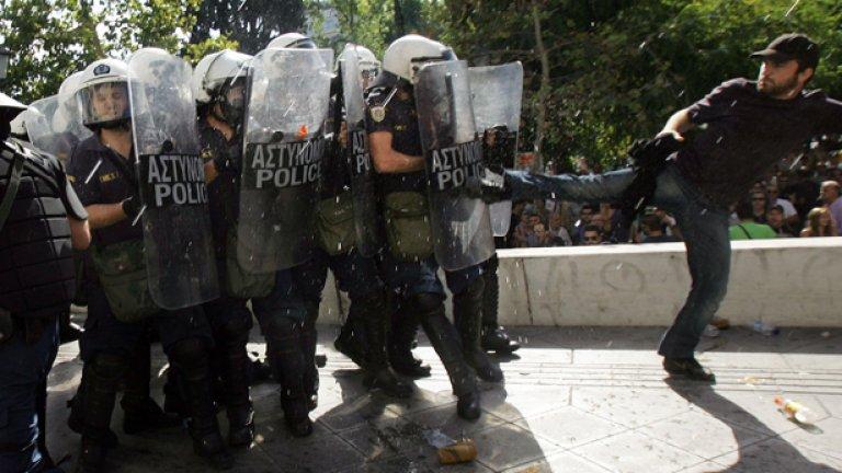 Стачка пак скова цяла Гърция