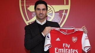 Арсенал рискува с назначението на Артета, защото той никога преди не е бил мениджър. Но рискът си струва. Защото ако някой може да разбие кода на общото примирение и спокойствие в клуба, настанило се трайно от години, това е този замислен, винаги сериозен испанец.