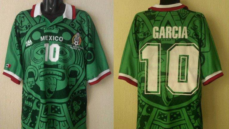 10. Мексико (1998)  Плашещото лице в средата явно е било водещо за дизайна на този екип, с който мексиканците са искали да въздействат на противниците. Това обаче не им помогна особено и във Франция '98 те отпаднаха от Германия на осминафинал.
