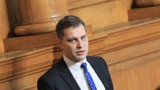 Според депутата Александър Сиди мерките у нас срещу COVID-19 се подкопават от президента и от опозицията