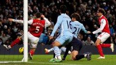 Дори и да победят Арсенал, футболистите на Манчестър Сити едва ли могат да разчитат на грешка на шампионите Юнайтед